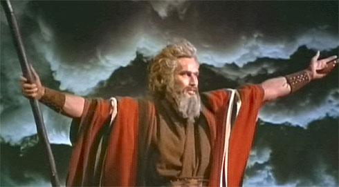 """Charlton Heston plays moses in """"the Ten Commandements"""""""